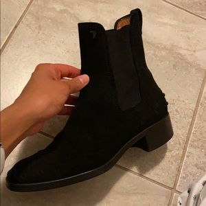 """Tod's Shoes - Tod's """"Gomma"""" boots in black suede"""